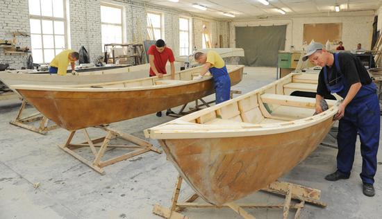 видео строительство лодки из дерева
